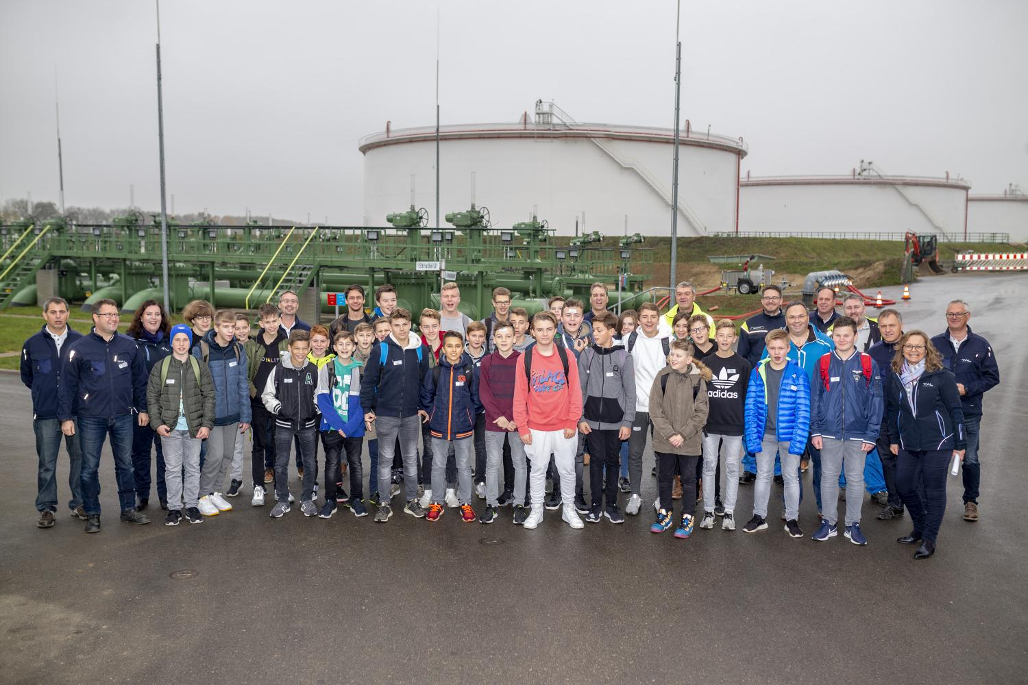 SCHOOLS DAY AT THE TANK FARM IN LENTING/GERMANY